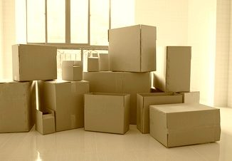 Egy családi ház költöztetéseléggé nagy kihívás. Megszervezni a költözést és lebonyolítani nem egy egyszerű dolog. Minden rendben kell, hogy legyen, ne sérüljenek a bútorok, az értékek. Amikor költözik az ember sok dolog eszébe jut. Vajon egyedül csináljam? Vagy felkérjek egy költöztető céget? Nagy dilemma.